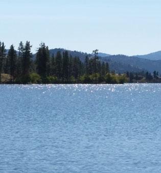 lake-sparkling